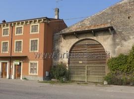 653 - Castel d' Azzano