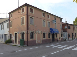 746 - Castel d' Azzano