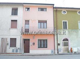 050 - Castelnuovo